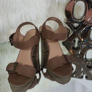 Brash brown low heels size 7 1/2